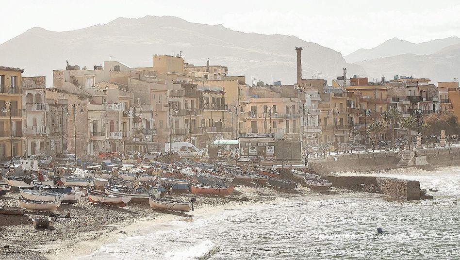 Strandpromenade von Bagheria auf Sizilien:Der Stillstand hat Methode