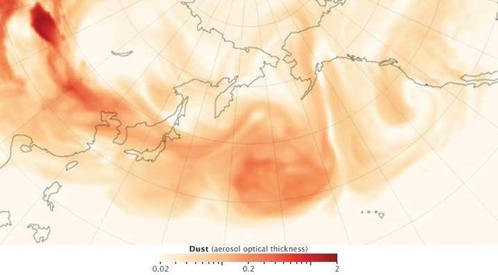 Staubtransport zum und über dem Pazifik im Satellitenbild