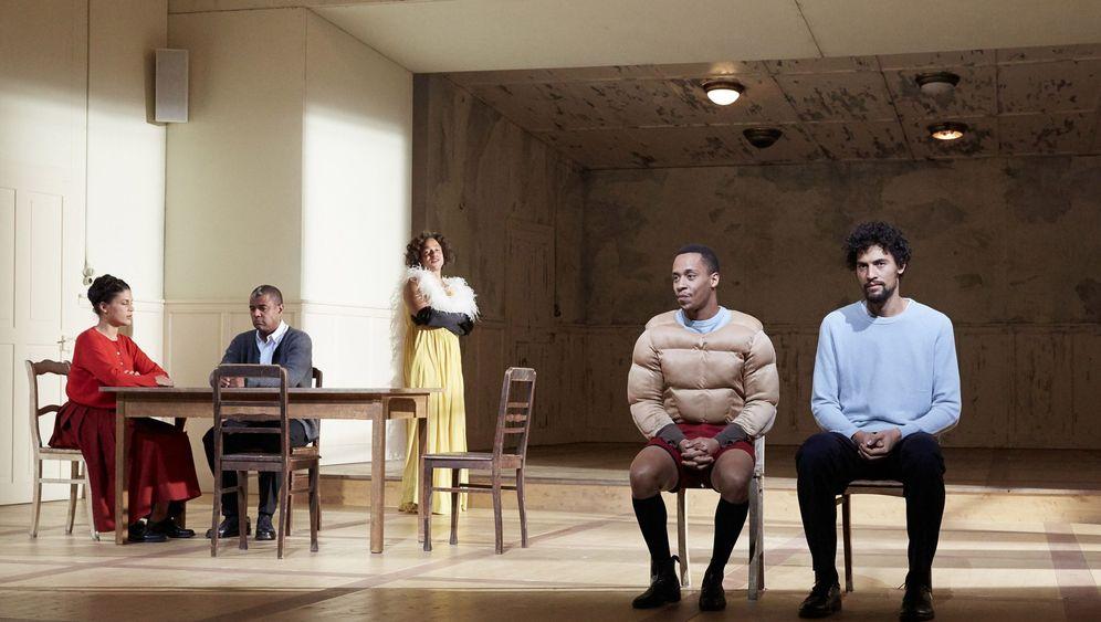 """""""Mittelreich""""-Kopie: Fremd im eigenen Theater"""