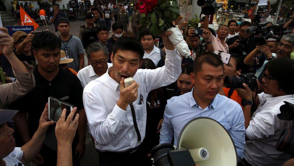 Thailand: Verfassungsgericht spricht Oppositionspartei von Anti-Monarchie-Vorwürfen frei