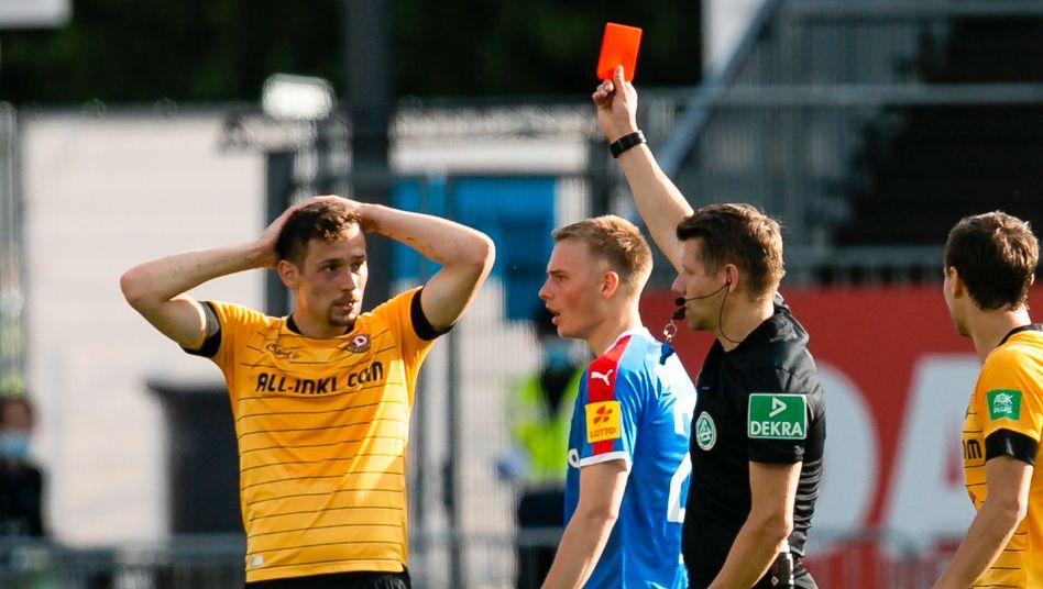 Knackpunkt gegen Kiel: Dresden musste nach einem Platzverweis für Jannik Müller in Unterzahl spielen