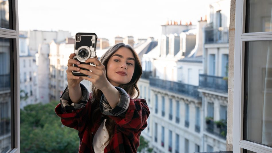 Lily Collins in »Emily in Paris«