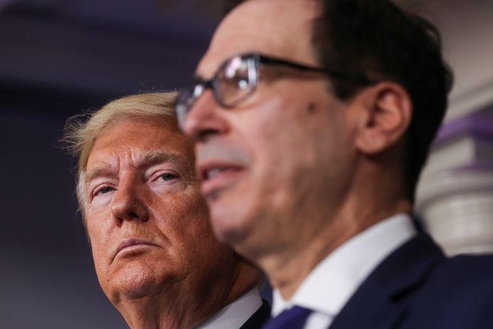 Kein Geld für Corona: Trump mit Finanzminister Steve Mnuchin