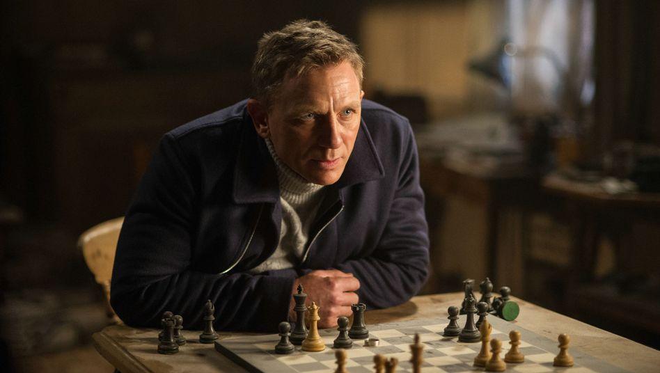 "Neuer ""Spectre""-Trailer: Bond hat Burn-out"
