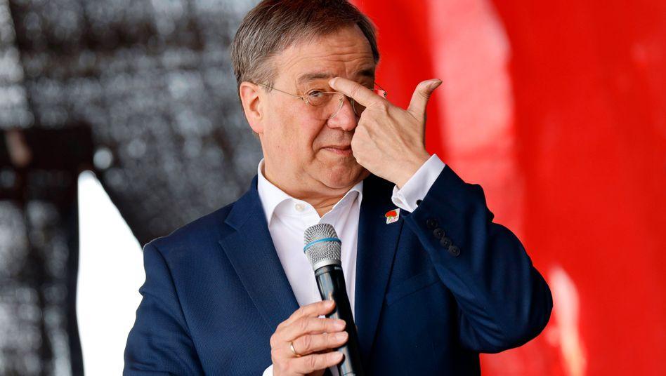 NRW-Ministerpräsident Laschet: Als Negativbeispiel nennen die Anwälte die van-Laack-Affäre