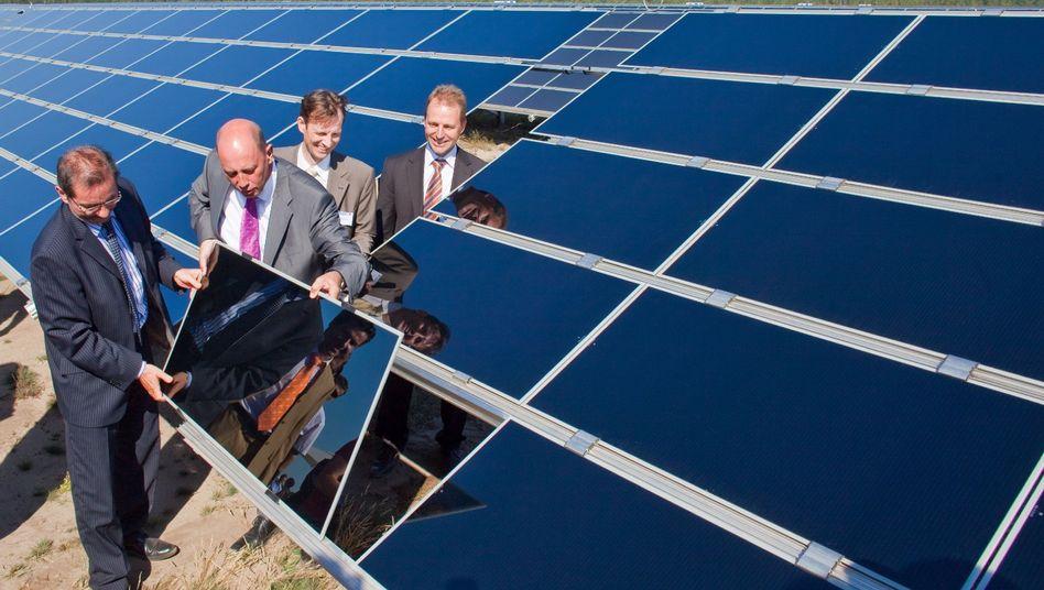 Eröffnung des größten deutschen Solarparks: Kooperation von Herstellern und Betreibern