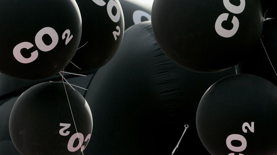 Schwarze CO2-Ballons: Litauen knickt bei den Abgaswerten vor Deutschland ein