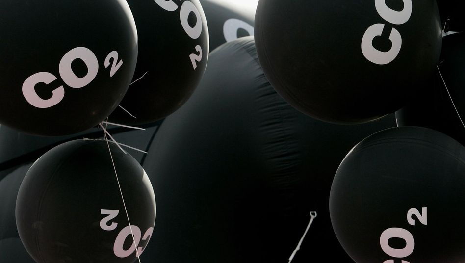 """Luftballons bei einer Demo gegen die Auto-Lobby: """"Schlechtes Zeichen der EU"""""""