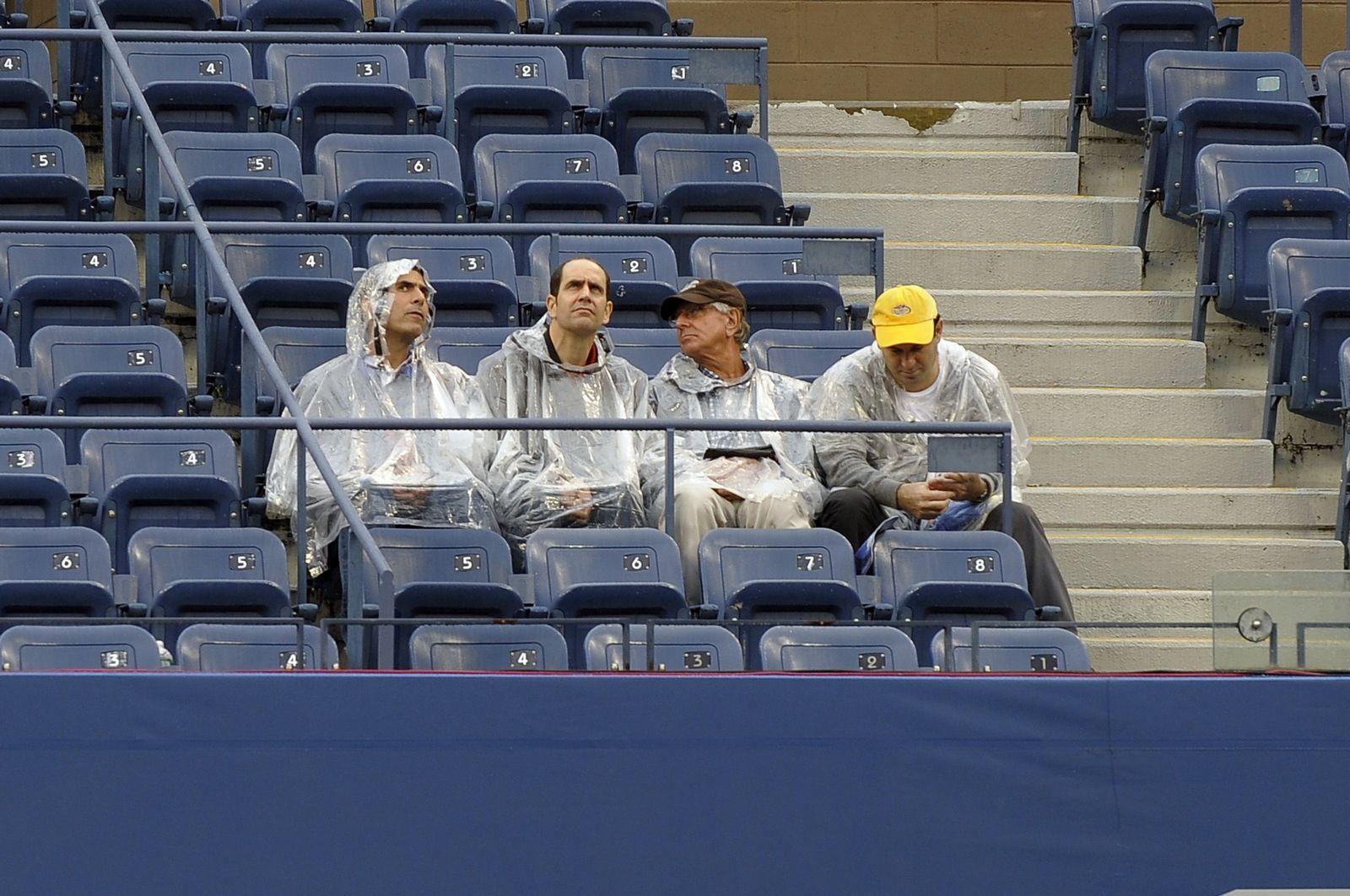 Fans in Regencapes US Open
