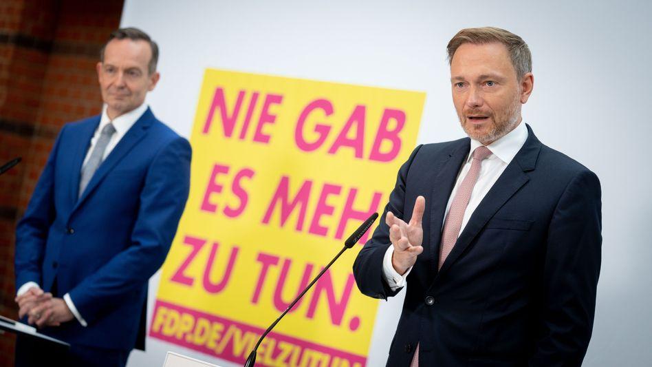 FDP-Generalsekretär Wissing, FDP-Chef Lindner: »Keinen Linksruck«