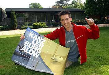 """WDR-Show """"Kanzlerbungalow"""", Moderator Hallaschka: """"Mama, ich mach Dir ein Video!"""""""