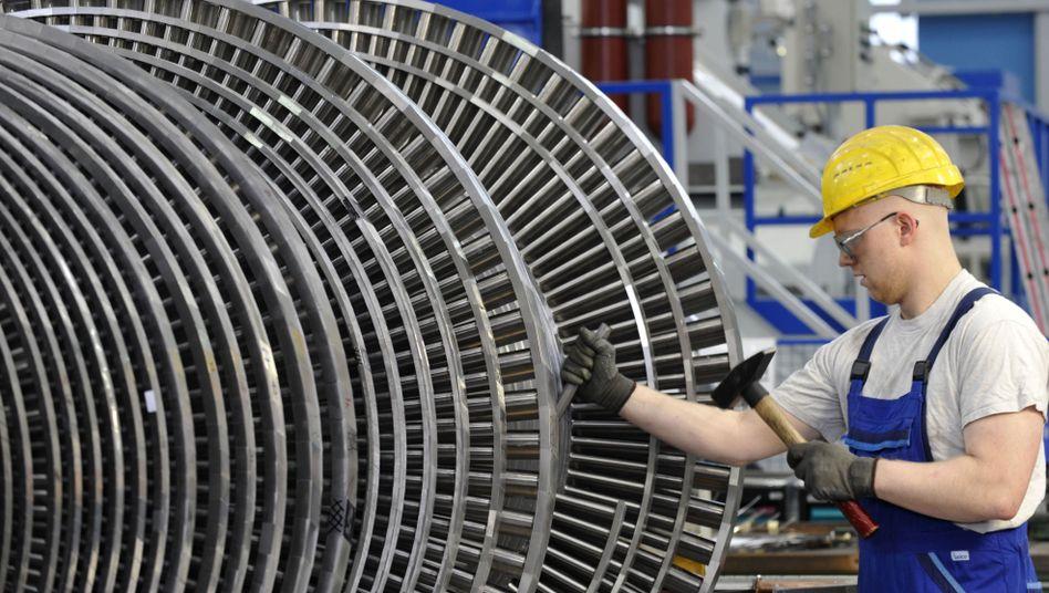 Techniker in Siemens-Werk: Nach langer Durststrecke wieder mehr Kaufkraft