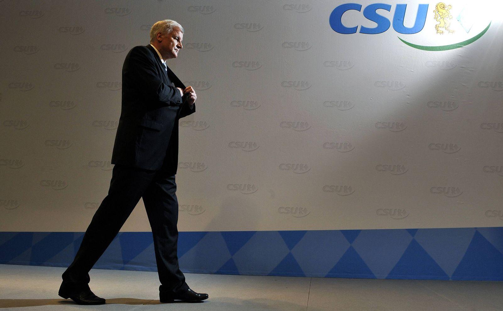 NICHT VERWENDEN Pressekonferenz zur CSU-Vorstandssitzung