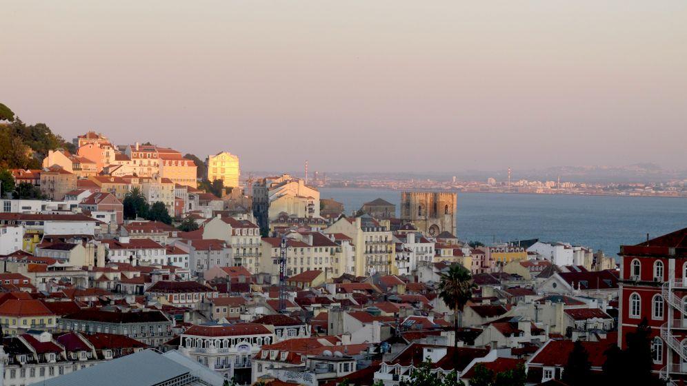 Tramfahrt durch Lissabon: Vom Meer in die Hügel