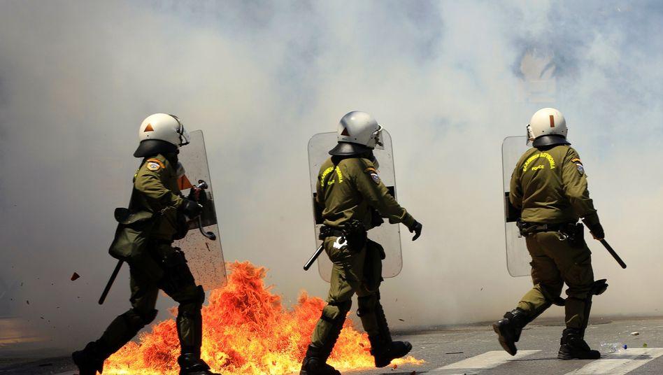 Polizisten in Athen: Gewalttätige Auseinadersetzungen mit Demonstranten