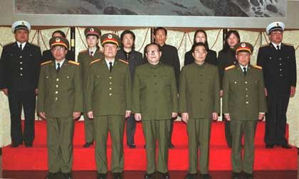 Jiang Zemin, Hu Jintao bei der Trauerfeier für das gesunkene U-Boot: Schmerz im Kampf gegen Sars nutzen
