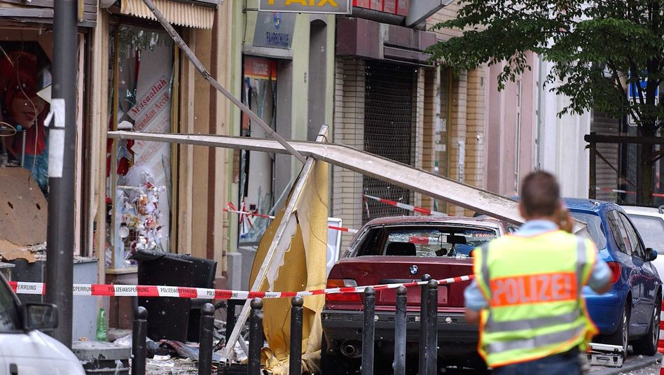 The scene of a 2004 bombing attack on a store in Cologne's Keupstrasse in 2004: German authorities sought the FBI's help in evaluating the threat.