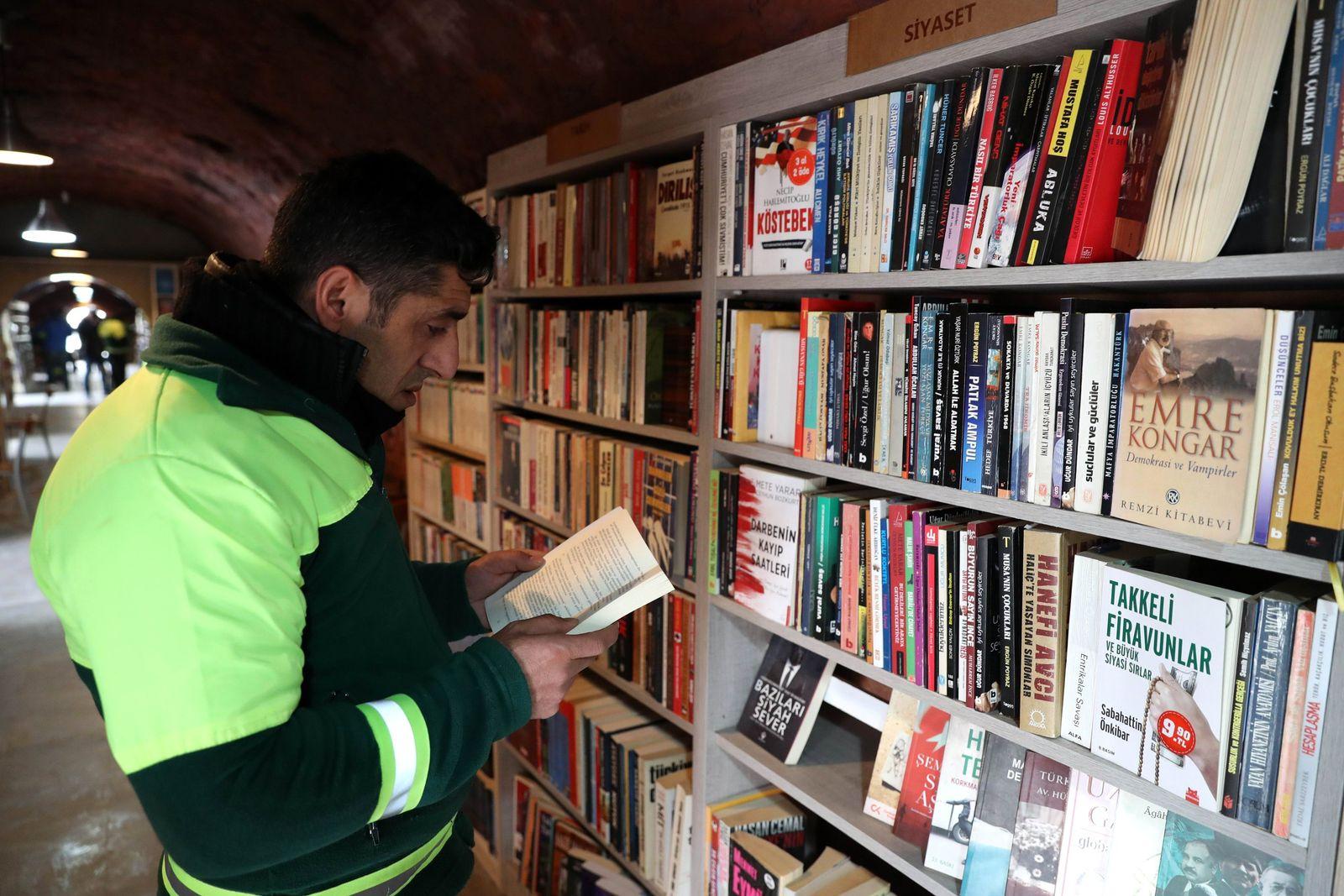 Ankara / Müllmänner / Bücher