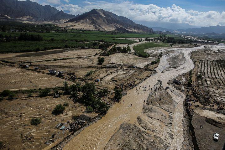 Blick auf die Fluten im Norden Perus