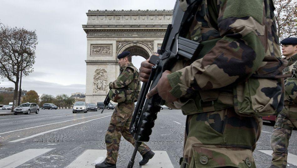 Soldaten nach den Terrorangriffen in Paris (im November): Maßnahmen gegen neue Attacken