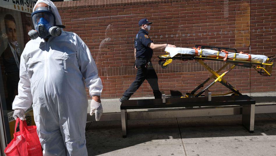 Krankenhauspersonal in New York City (Archivbild): »Das bewegt sich nicht in die richtige Richtung«