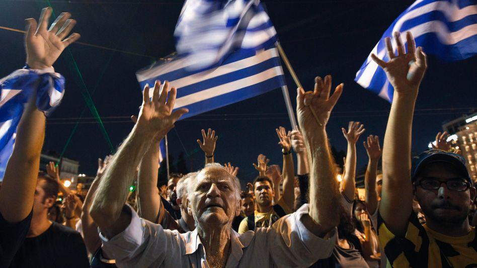 Proteste in Griechenland: Euro-Retter streiten über Sparkurs