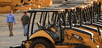 Tractors made by US manufacturer Caterpillar: The EU is threatening to sue at the WTO if Washington passes protectionist measures.