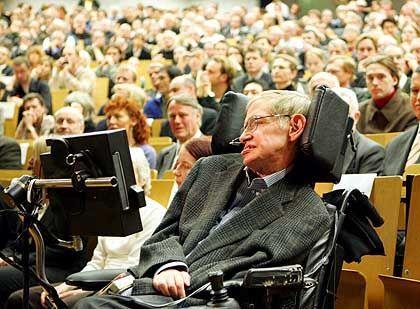 Füllt mühelos die größten Hörsäle: Stephen Hawking an der FU Berlin