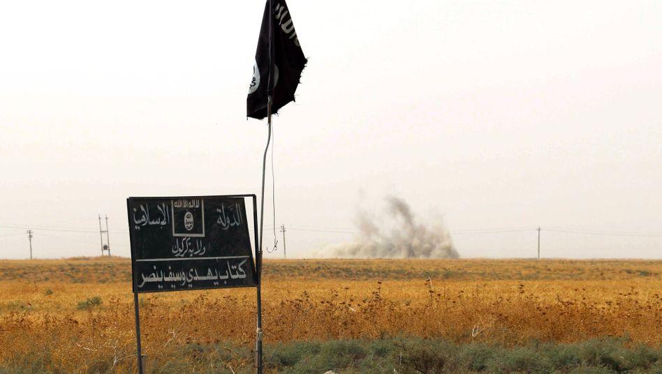 Flagge des IS im Nordirak (Archivbild): Mehr verloren als gewonnen