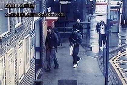 Foto der vier Attentäter vom 7. Juli