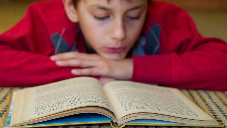 Analog statt digital: Jugendliche lesen gerne - und auf Papier