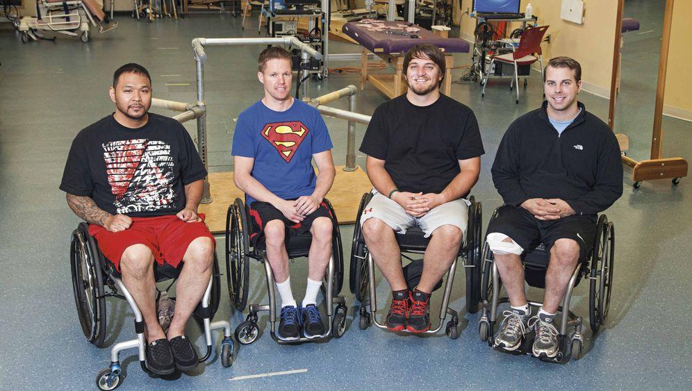 Nach Querschnittlähmung: Vier Männer können ihre Beine wieder bewegen