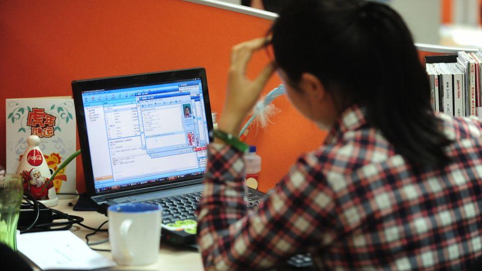 Junge Frau in Peking: Ungleiche Chancen bei der Jobsuche?