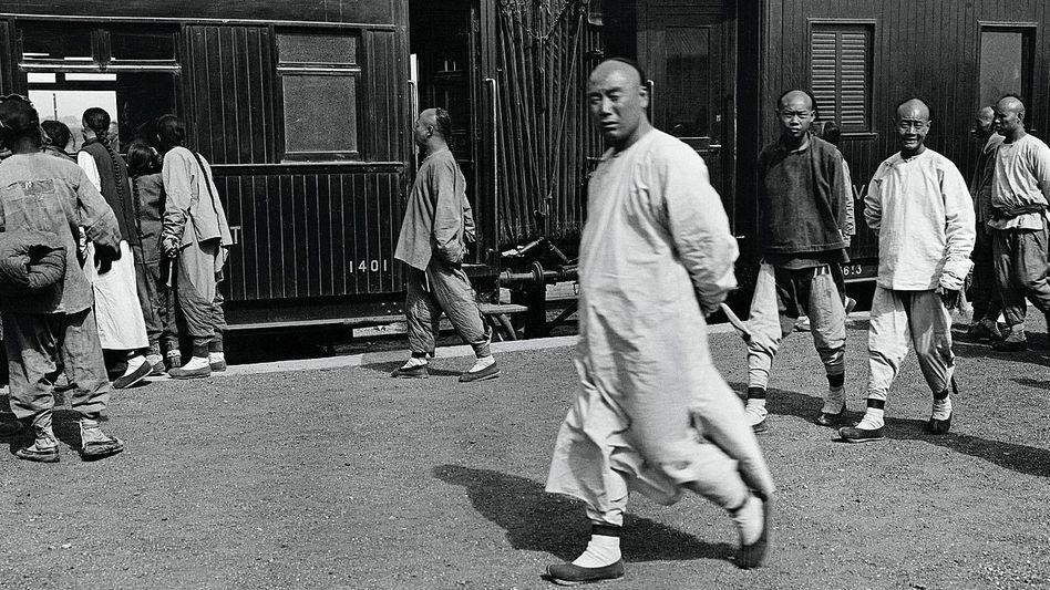 Eisenbahn (1906): Die Züge verbanden Hankou und Peking.