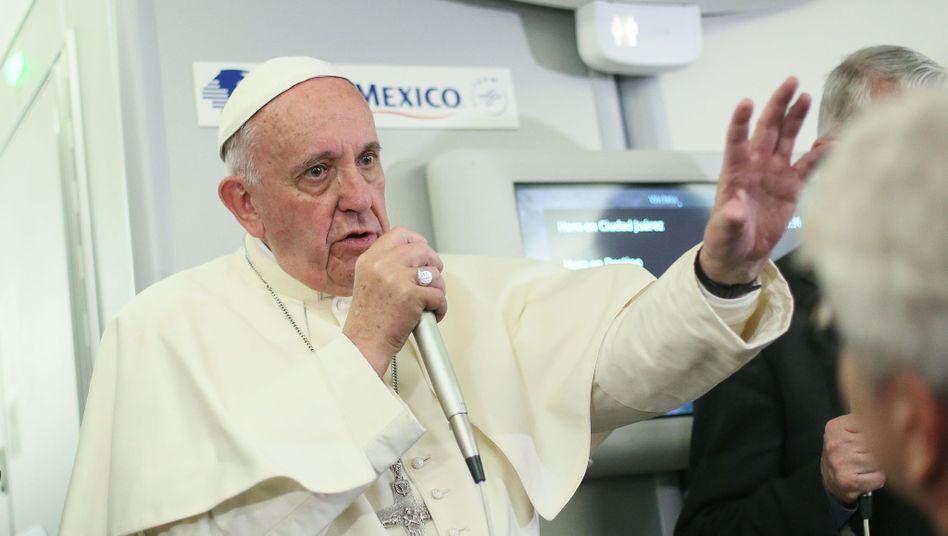 Papst Franziskus auf dem Rückflug von Mexiko nach Rom