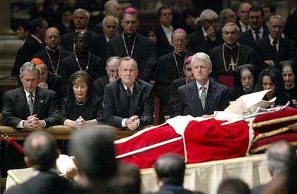 "Familie Bush und Clinton im Petersdom: ""Wunderbares Bild"""