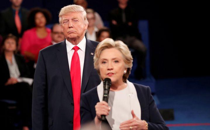 Trump mit Hillary Clinton im Präsidentschaftswahlkampf 2016
