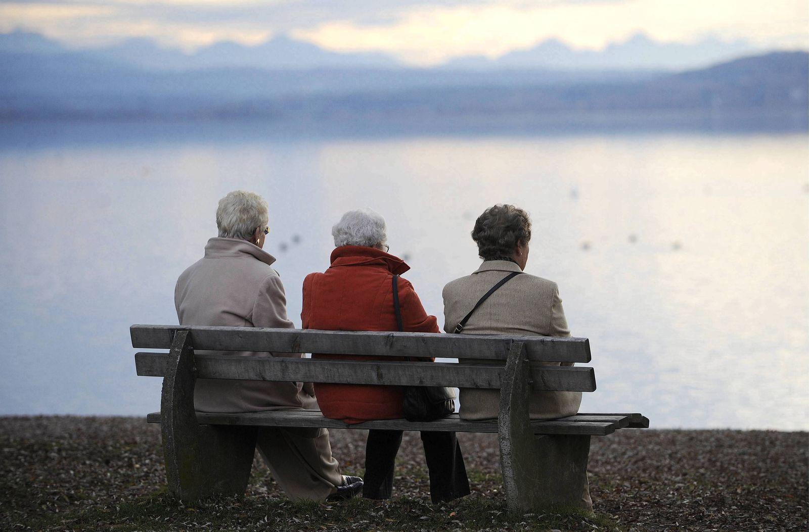 NICHT VERWENDEN Rentner / Senioren