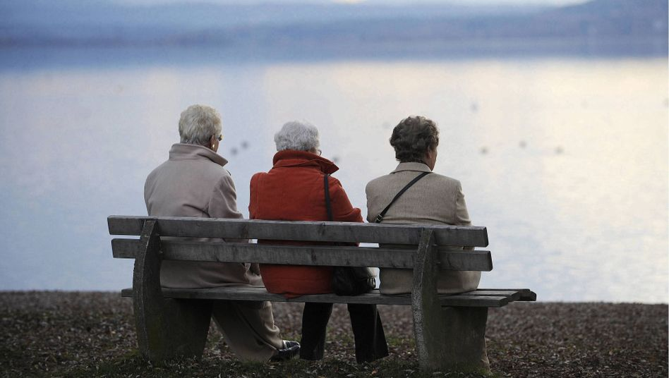 German pensioners: The country's population is aging.