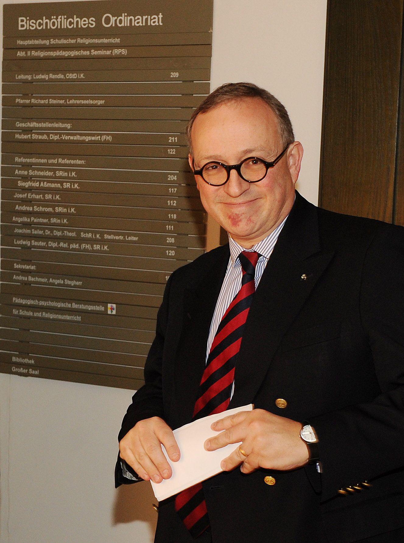 NICHT VERWENDEN Dirk Hermann Voß