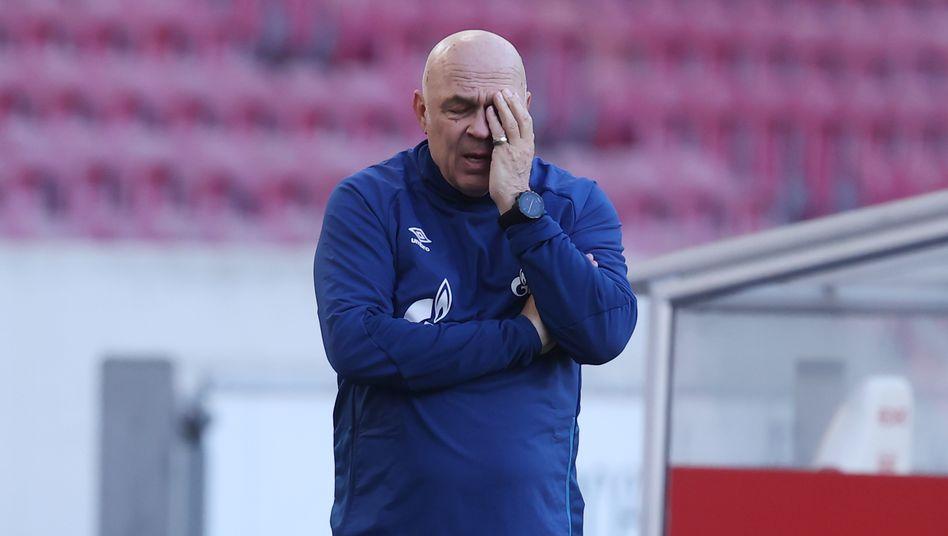 Auch Christian Gross, Schalkes vierter Trainer der laufenden Saison, hat das Team nicht vorangebracht