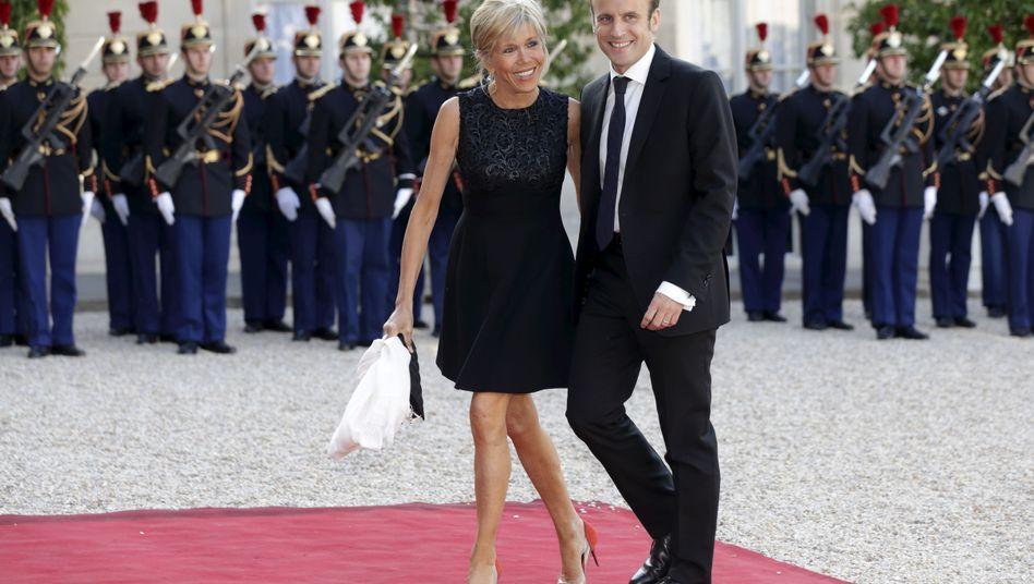 Macron mit Ehefrau (2015)