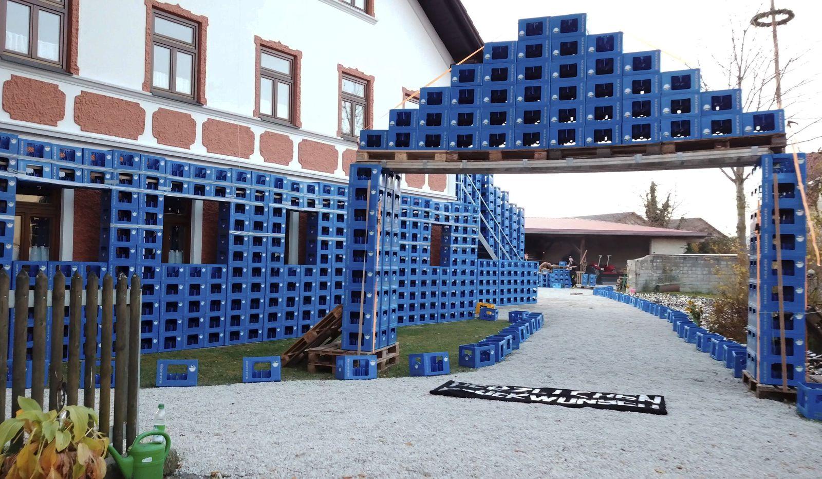 30 000 Pfandflaschen im Vorgarten