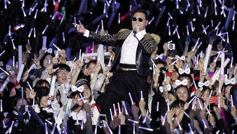 Psy bei einem Konzert in Seoul