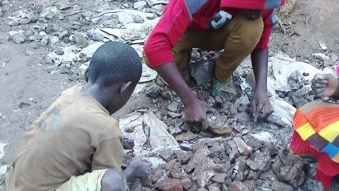 Undatierte Aufnahme von Amnesty International in einer Kobaltmine im Kongo