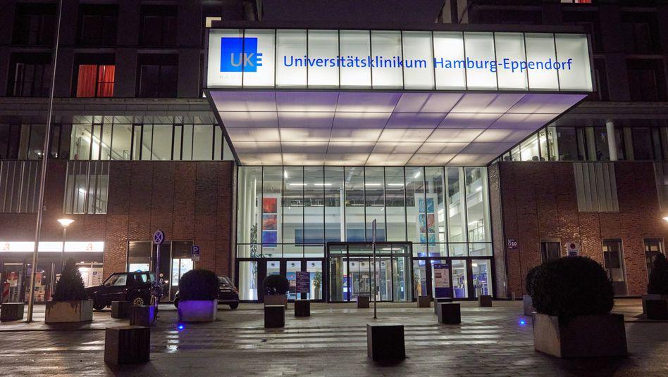 Haupteingang des Uniklinikums Hamburg-Eppendorf