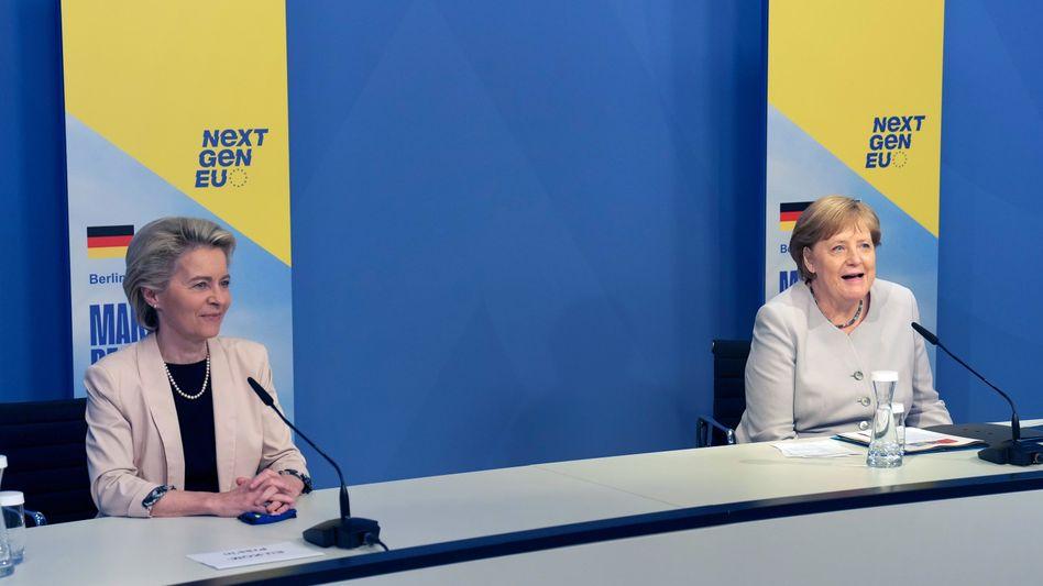 EU-Kommissionspräsidentin Ursula von der Leyen und Bundeskanzlerin Angela Merkel