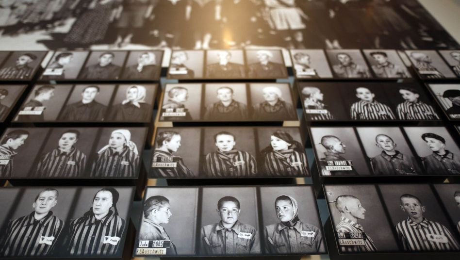 Fotos jüdischer NS-Opfer in der israelischen Gedenkstätte Yad Vashem