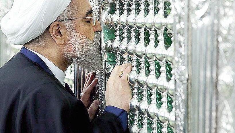 Präsident Rohani vor einem Schrein in Ghom
