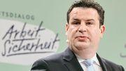 Arbeitsminister Heil lehnt Fußballspiele mit Maske ab